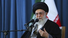 US, Soviets, and regional reactionaries fought against Iran for 8 years: Leader