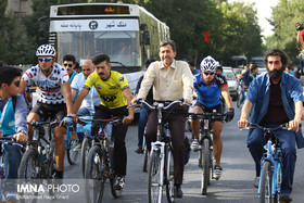 Festival guests attend car-free Tuesday