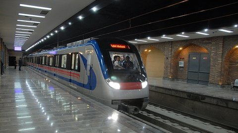 Isfahan metro extends to Sofeh, intervals drop