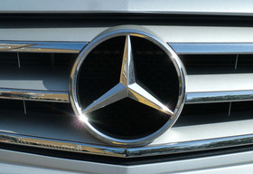 Mercedes-Benz officially returns to Iran