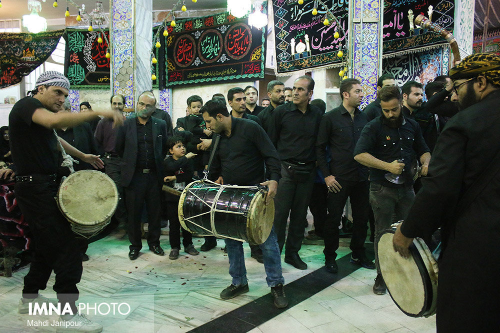 Isfahan people mourn Tasu'a/ mourning theater