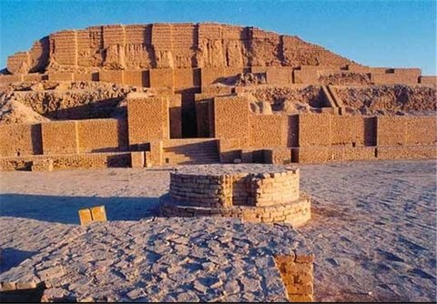 Kashan's Sialk Mounds Date Back to 7,500 Years