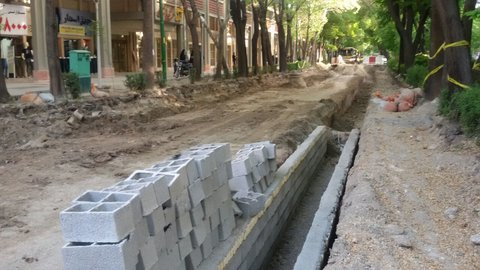 Phase 2 of Chahar-Bagh Abbasi Ave. cobbled by half