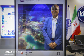 Mayor of Isfahan attends IMNA pavilion at 23rd Press Exhibition: