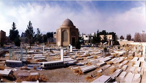 Biography of famous figures buried in Takht-e Foulad be published