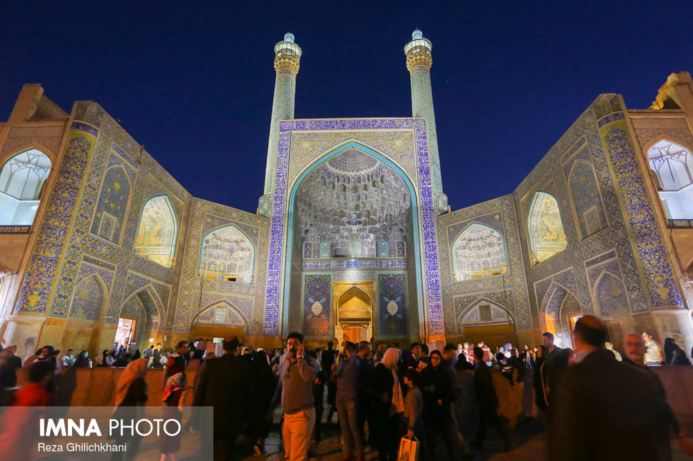 Persian language instructor got familiar with Isfahan's culture and history
