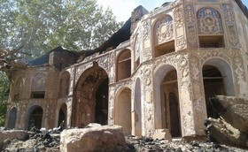 The restoration project of Chehel Sotoun palace in Zavare has started