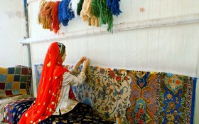Currency inflation reduced carpet manufacturing in Isfahan