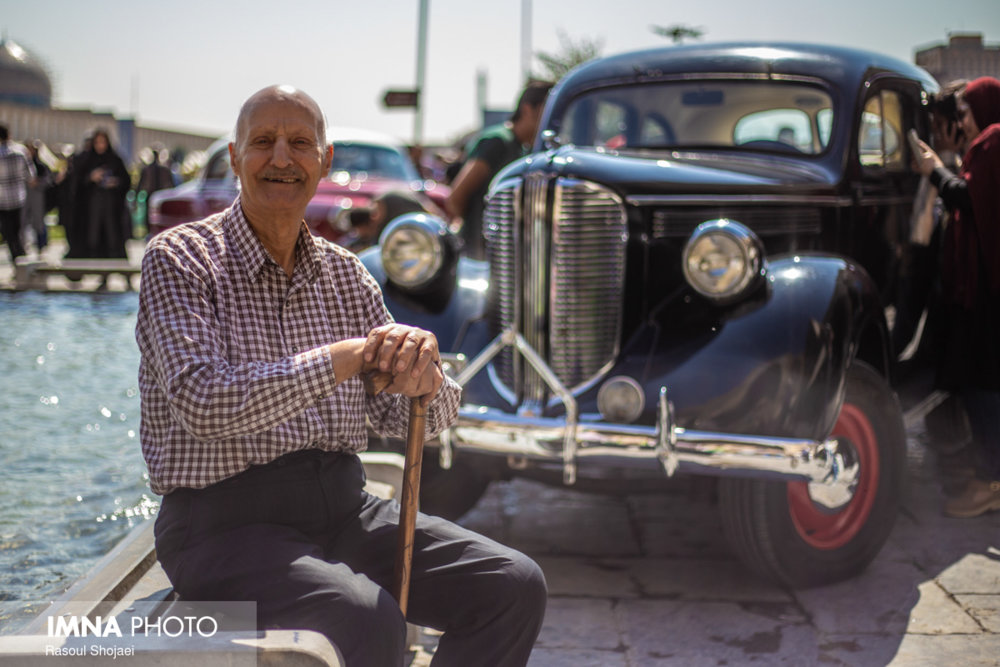Danish classic cars on parade in Isfahan