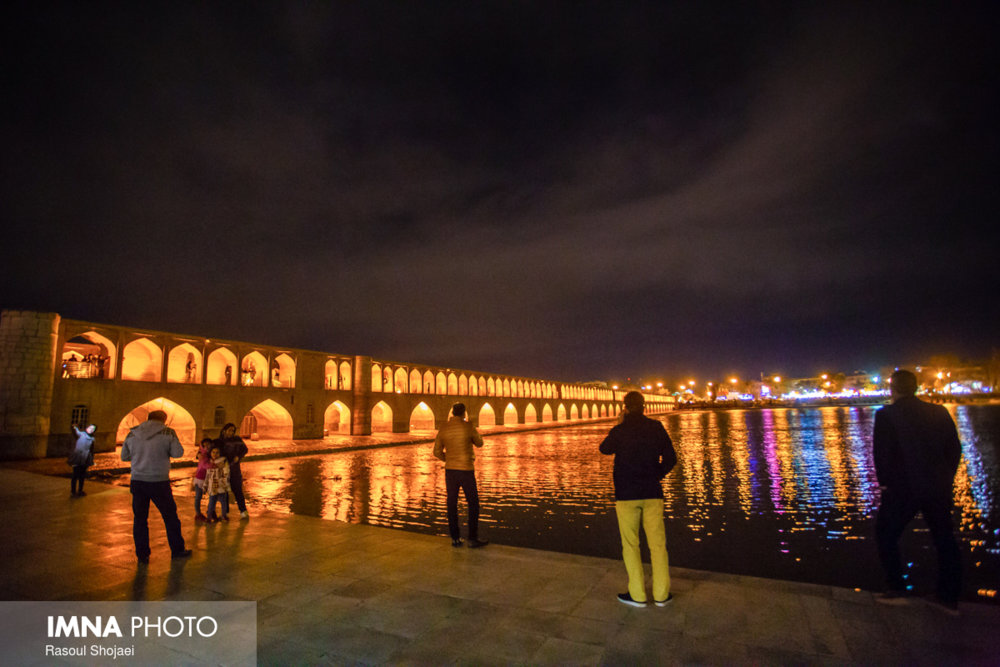 Nighttime tourism to get flourished in Isfahan