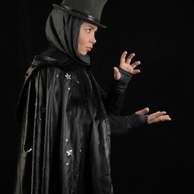 Iran's Only Female Magician Shining among 2,000 Male Conjurers