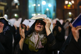 """Iranian observe ""Night of Destiny"