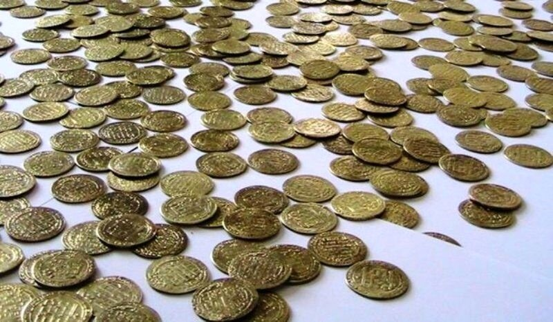 Ancient Coins, Antiquities Seized in Southern Iran