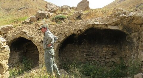 Ancient Cave with Human Skeletons Discovered Near Tehran
