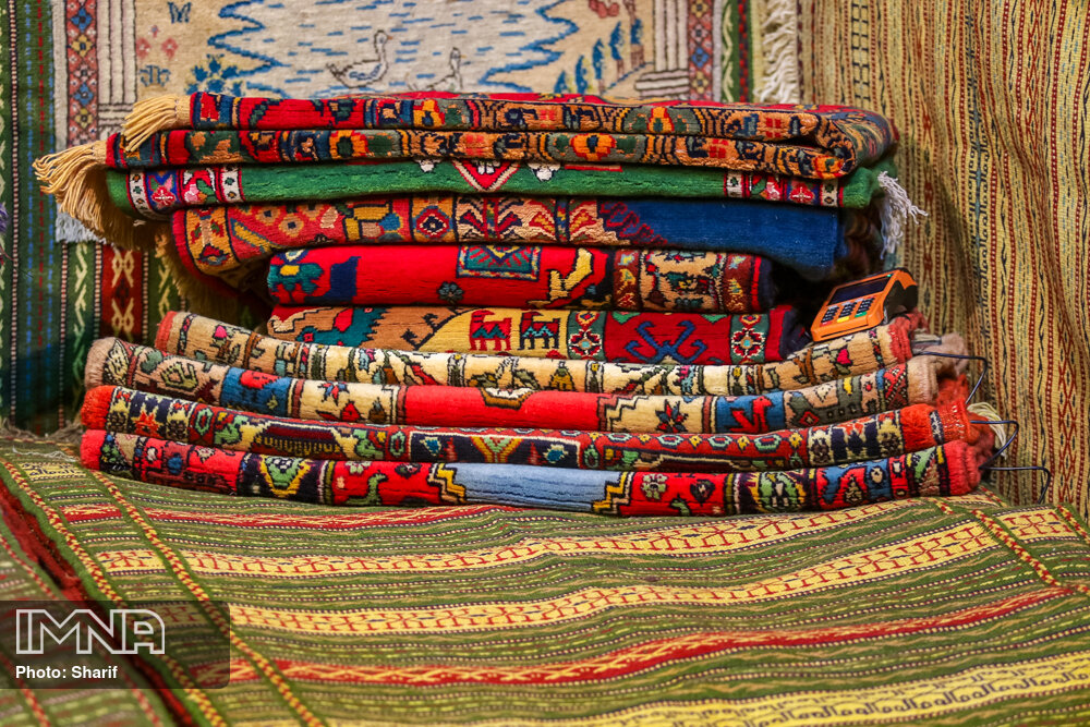 Hand-woven Persian carpets to be sold online
