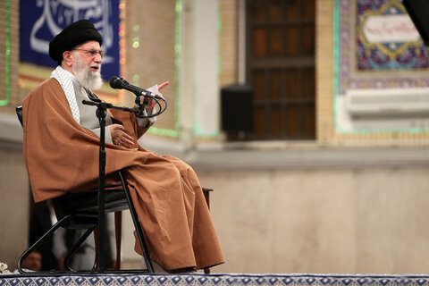 Leader: Anyone interested in Iran should go to polling stations